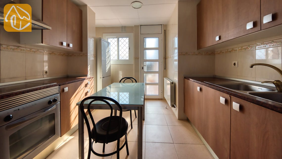 Holiday villas Costa Brava Spain - Villa Yara - Kitchen
