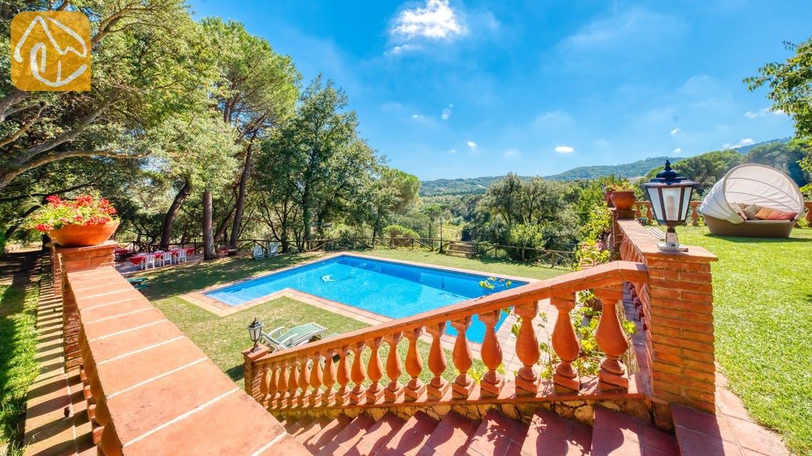 Holiday villas Costa Brava Spain - Villa Paradise - Swimming pool