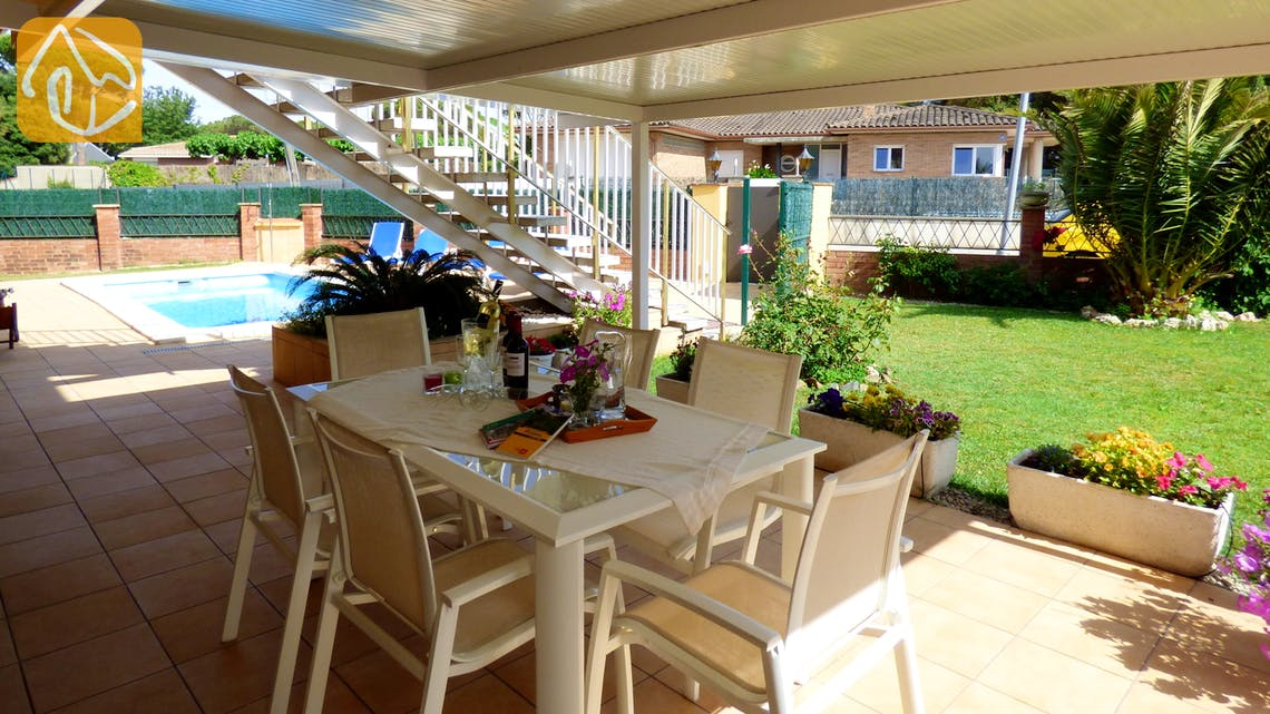 Holiday villas Costa Brava Countryside Spain - Villa Rafaella - Dining area