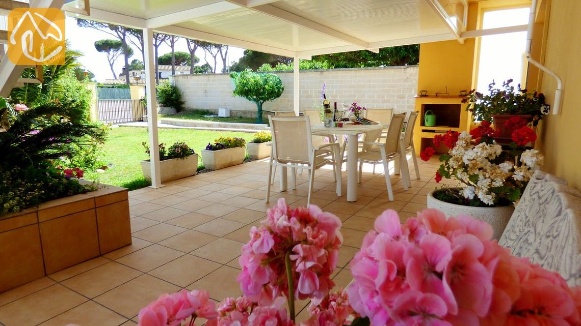 Holiday villas Costa Brava Spain - Villa Rafaella - Terrace