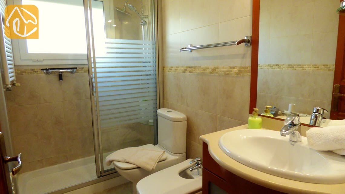 Holiday villas Costa Brava Spain - Villa Rafaella - Bathroom
