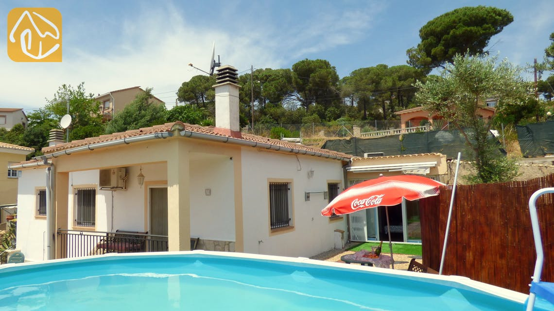 Holiday villas Costa Brava Spain - Villa Avet - Swimming pool
