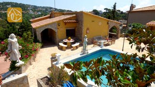 Holiday villas Costa Brava Spain - Villa Mara - Swimming pool
