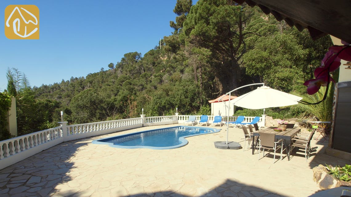 Holiday villas Costa Brava Spain - Villa Monroe - Villa outside
