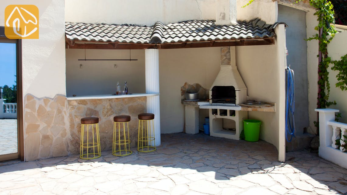 Holiday villas Costa Brava Spain - Villa Monroe - BBQ Area