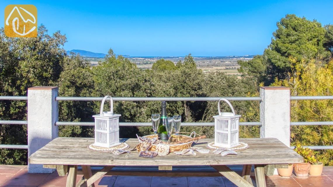 Holiday villas Costa Brava Countryside Spain - Villa Racoon - One of the views