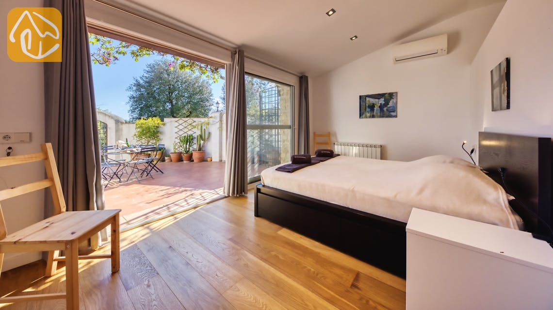 Holiday villas Costa Brava Countryside Spain - Villa Racoon - Master bedroom