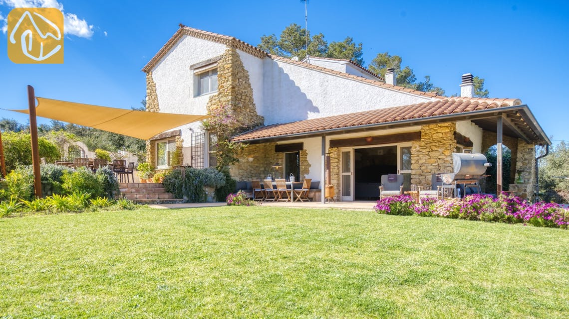 Holiday villas Costa Brava Countryside Spain - Villa Racoon - Villa outside