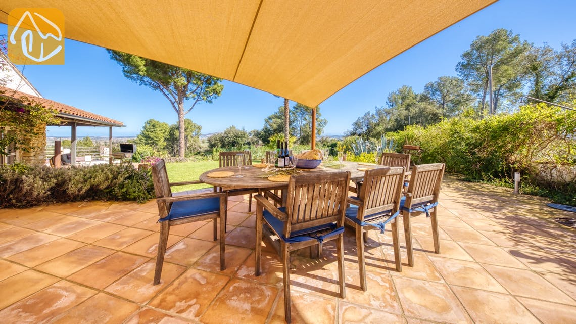 Holiday villas Costa Brava Countryside Spain - Villa Racoon - Dining area