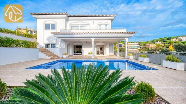 Holiday villas Costa Brava Spain - Villa Madison - Swimming pool