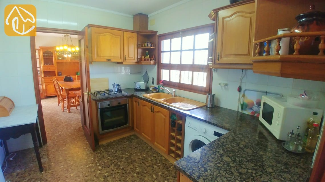 Holiday villas Costa Brava Spain - Villa Tiara - Kitchen