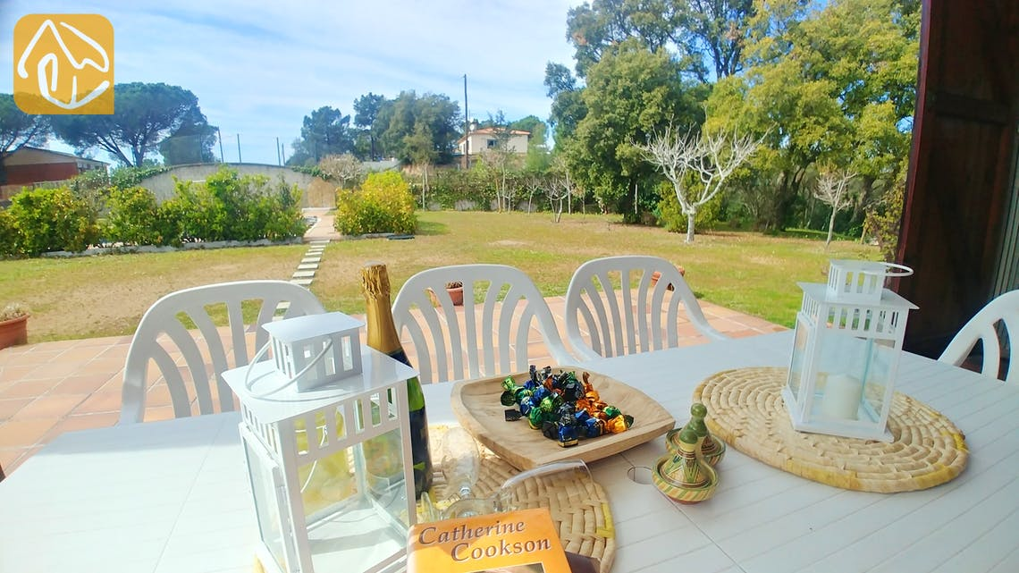 Holiday villas Costa Brava Spain - Villa Tiara - Terrace