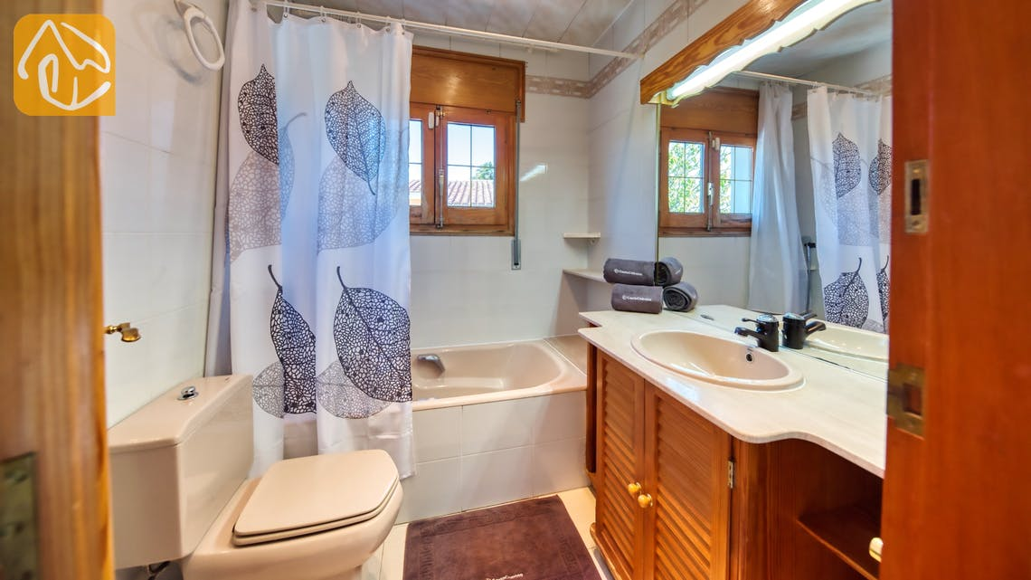 Holiday villas Costa Brava Spain - Villa Maxima - Bathroom