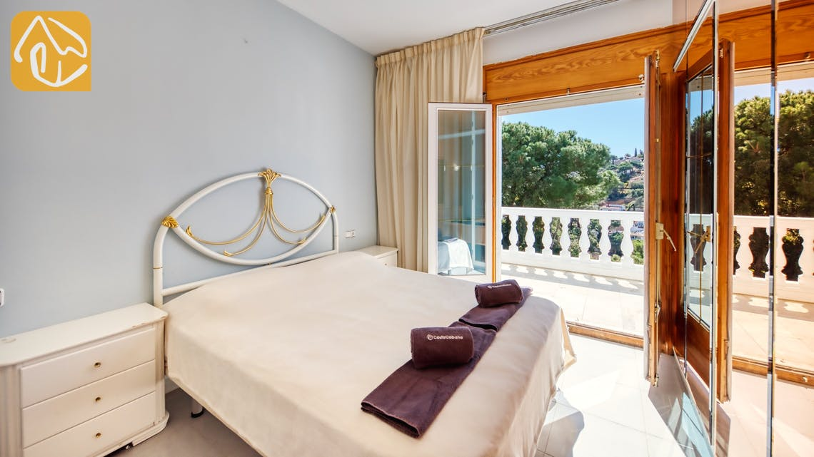 Holiday villas Costa Brava Spain - Villa Maxima - Bedroom