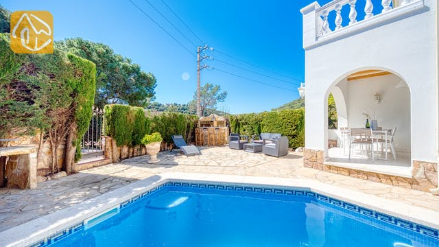 Holiday villas Costa Brava Spain - Villa Maxima - Swimming pool