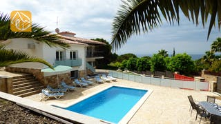 Holiday villas Costa Brava Spain - Villa Vivien - Villa outside