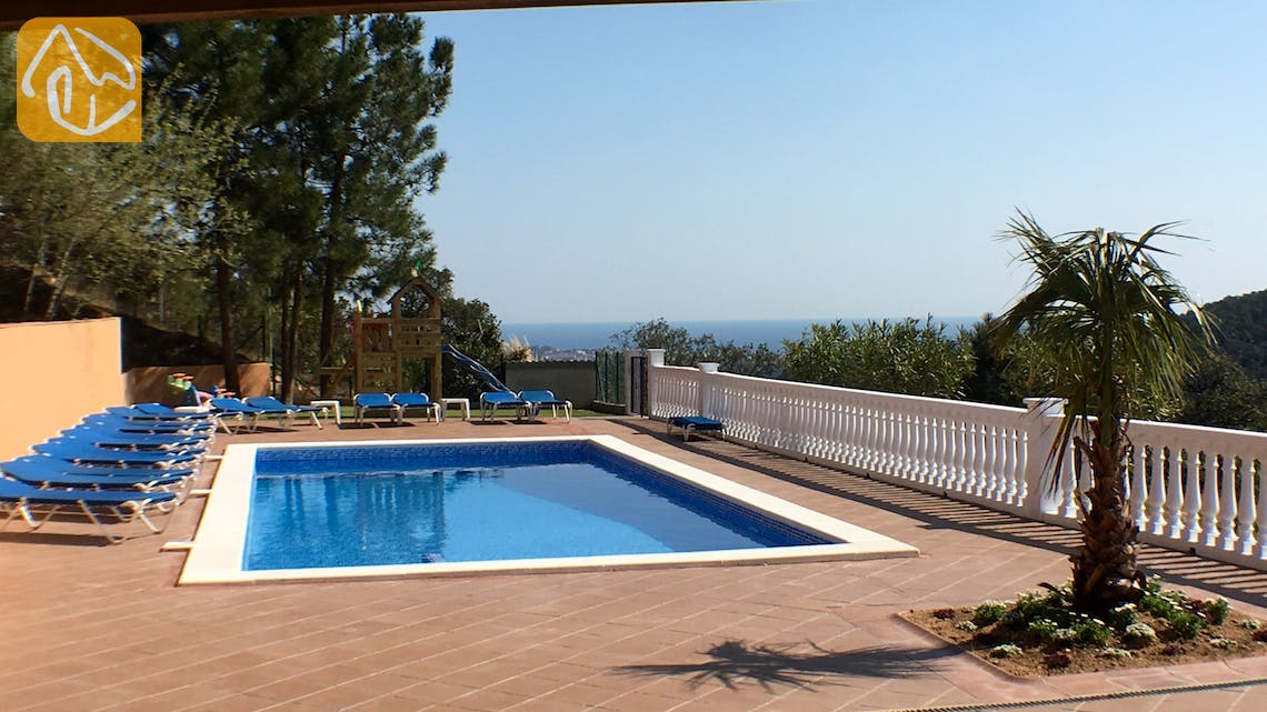 Holiday villas Costa Brava Spain - Villa Marimuntanya -