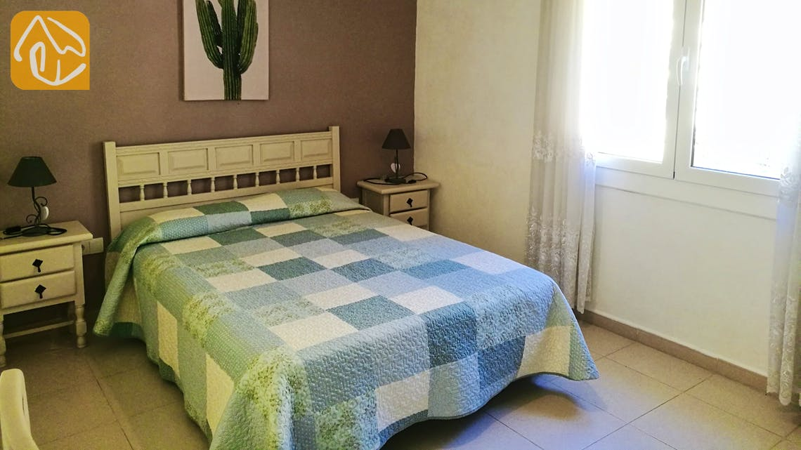 Holiday villas Costa Brava Spain - Villa Cristal - Bedroom