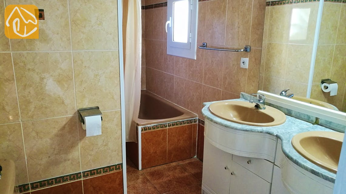 Holiday villas Costa Brava Spain - Villa Cristal - Bathroom