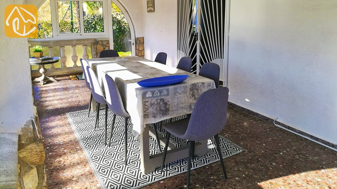 Holiday villas Costa Brava Spain - Villa Cristal - Dining area