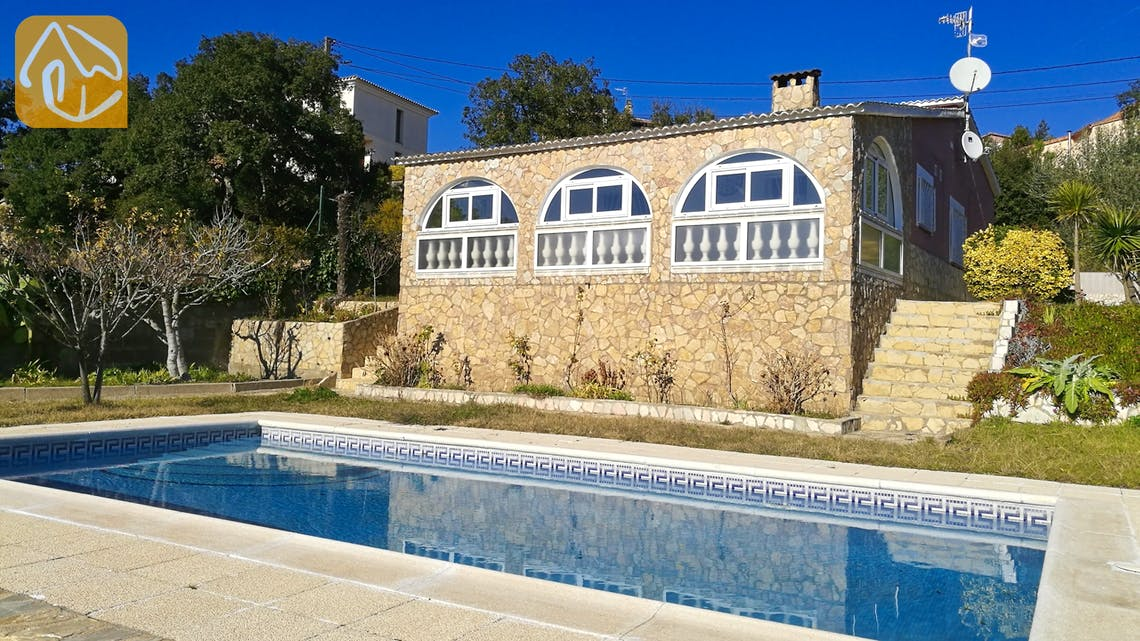 Holiday villas Costa Brava Spain - Villa Cristal - Villa outside