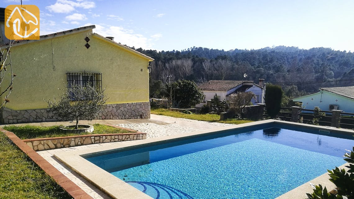 Holiday villas Costa Brava Spain - Villa Minta - Villa outside