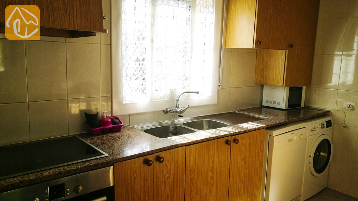 Holiday villas Costa Brava Spain - Villa Minta - Kitchen