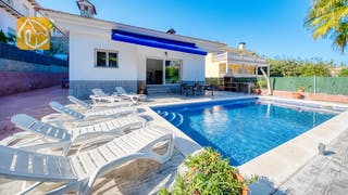 Holiday villas Costa Brava Spain - Villa Zarita - Villa outside