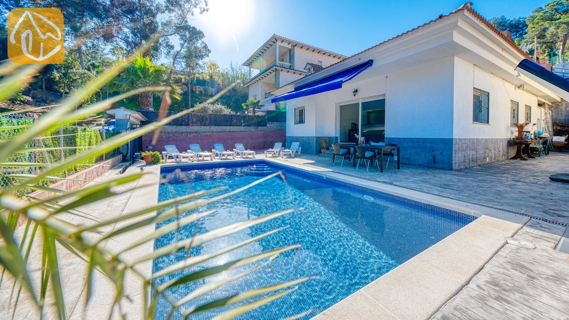 Holiday villas Costa Brava Spain - Villa Zarita - Swimming pool