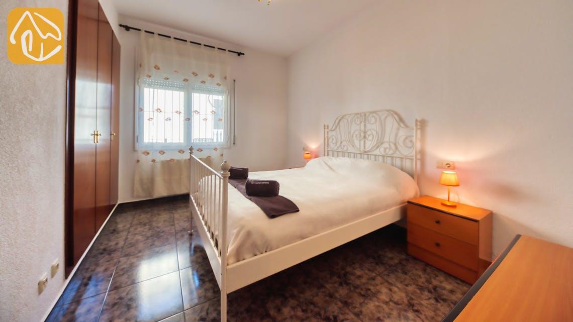 Holiday villas Costa Brava Spain - Villa Zarita - Master bedroom