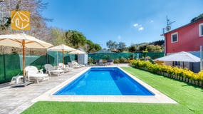 Holiday villas Costa Brava Spain - Villa Pilarillo - Villa outside