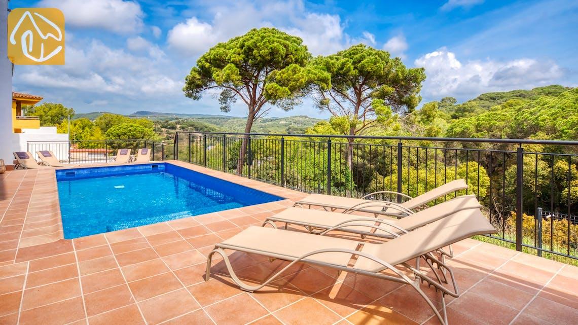 Holiday villas Costa Brava Spain - Villa Amora - Swimming pool