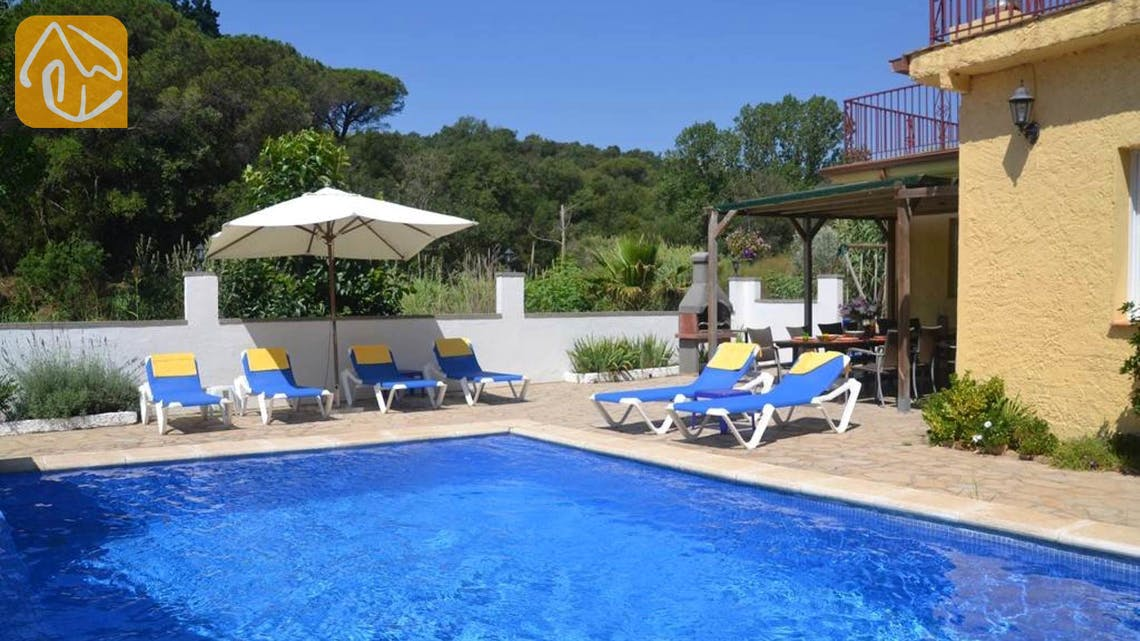 Holiday villas Costa Brava Spain - Villa Whitney - Swimming pool