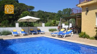 Holiday villas Costa Brava Spain - Villa Alicia - Swimming pool