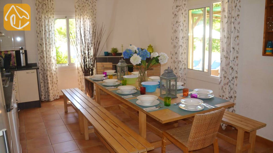 Holiday villas Costa Brava Spain - Villa Whitney - Kitchen