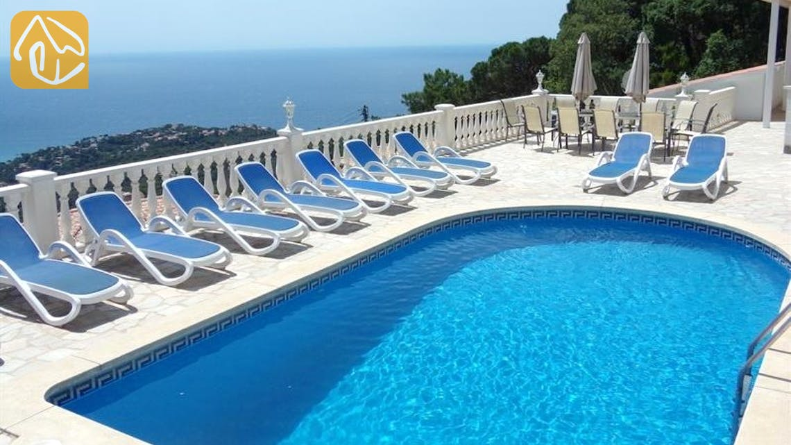 Holiday villas Costa Brava Spain - Villa Promesa - Swimming pool