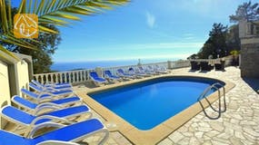Holiday villas Costa Brava Spain - Villa Promise - Swimming pool