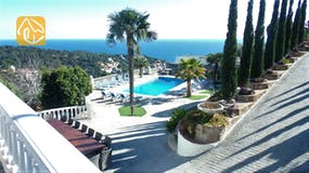 Holiday villas Costa Brava Spain - Villa Tropicana - Swimming pool
