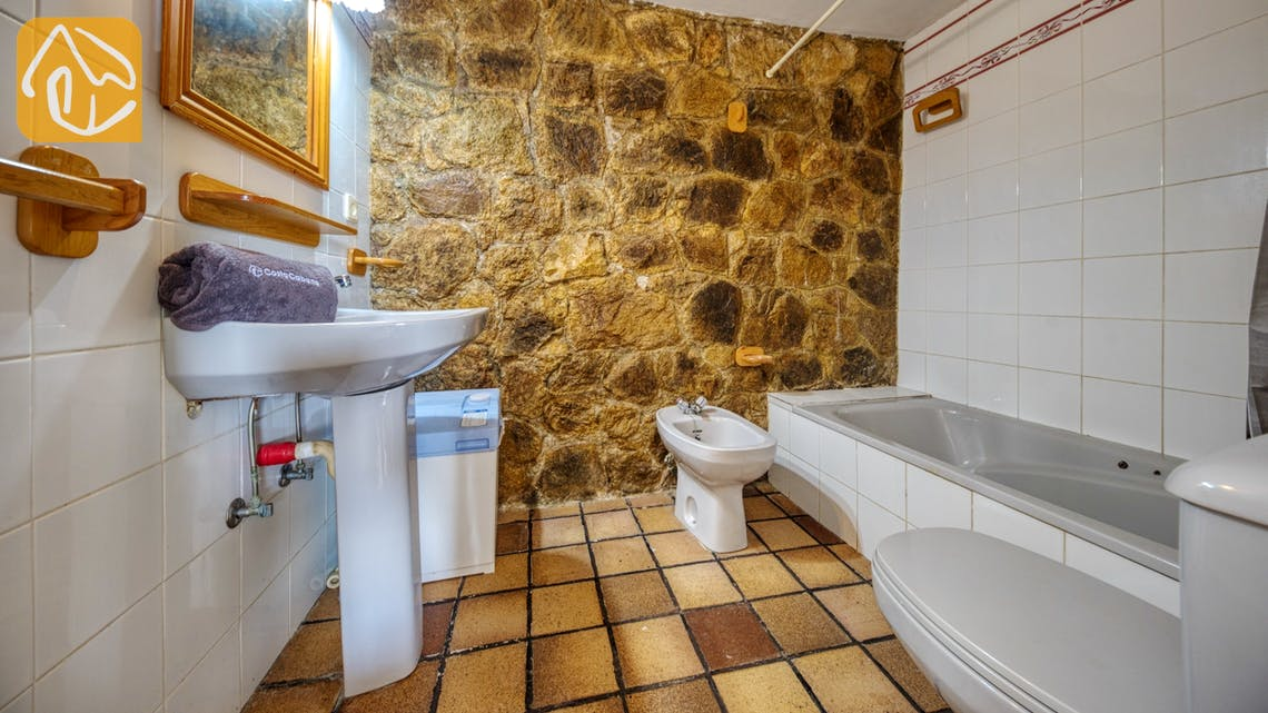 Holiday villas Costa Brava Spain - Villa Janet - Bathroom