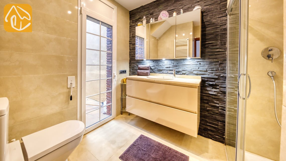 Holiday villas Costa Brava Spain - Villa Beyonce - Bathroom