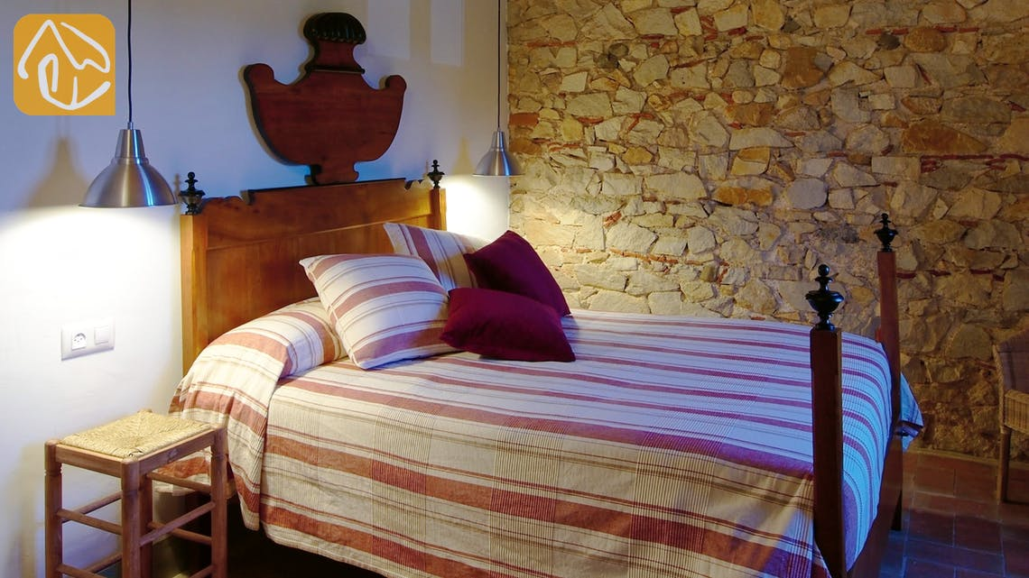 Holiday villas Costa Brava Countryside Spain - Can Rioja - Bedroom