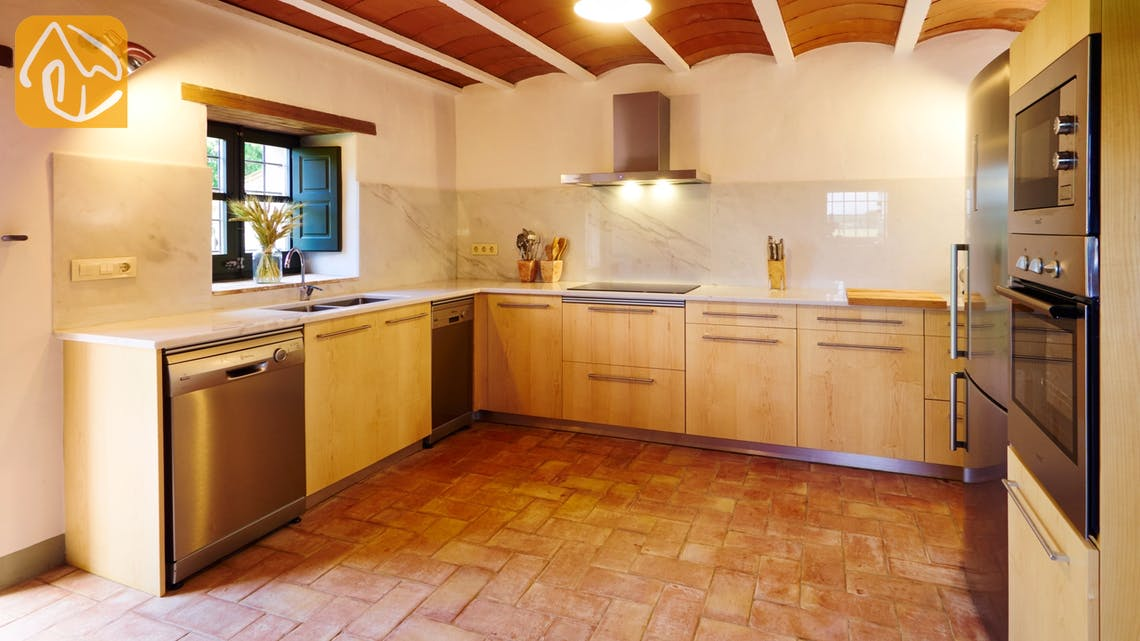 Holiday villas Costa Brava Countryside Spain - Can Magenta - Kitchen
