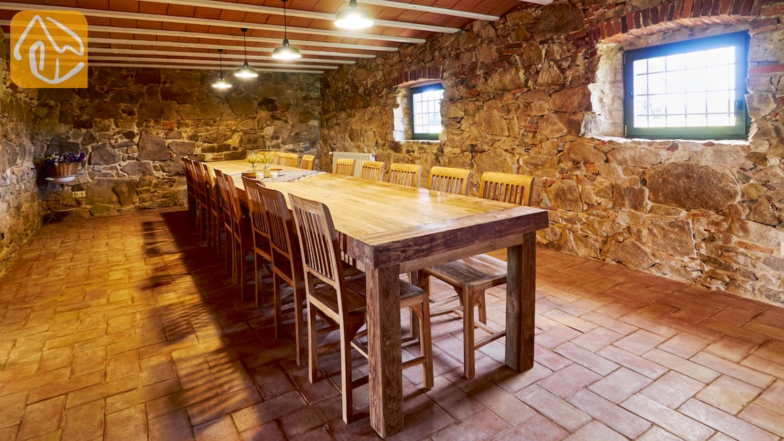 Holiday villas Costa Brava Countryside Spain - Can Magenta - Dining room