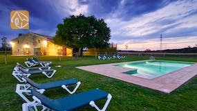 Holiday villas Costa Brava Spain - Can Magenta - Swimming pool