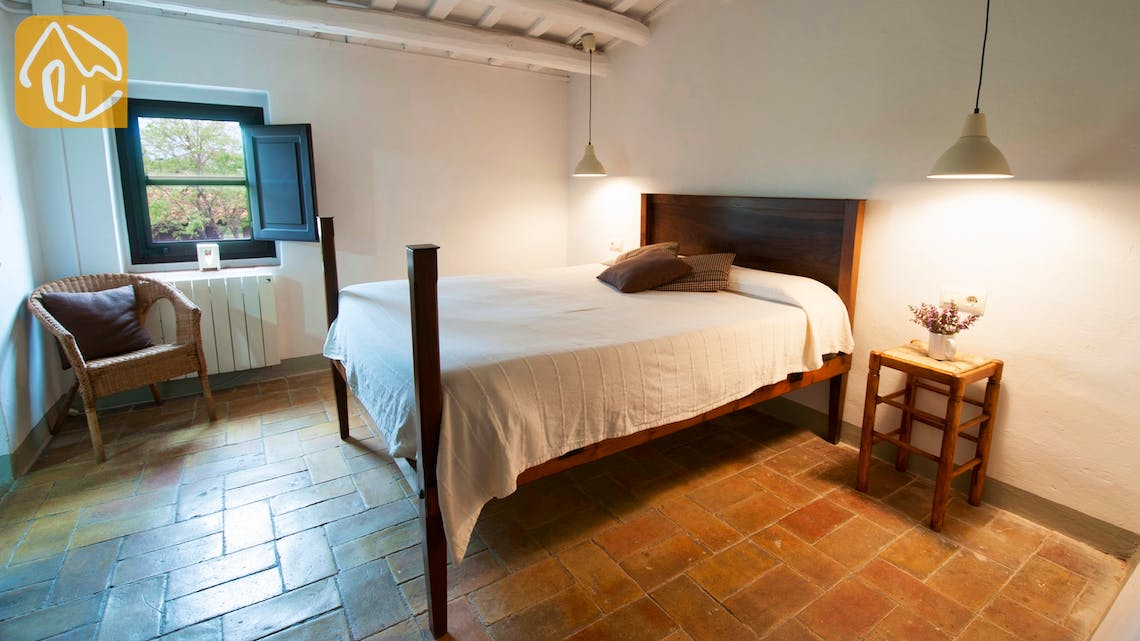 Holiday villas Costa Brava Spain - Can Amarillo - Bedroom