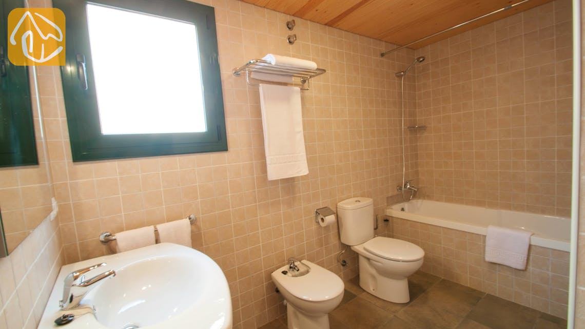 Holiday villas Costa Brava Spain - Villa Castello - Bathroom
