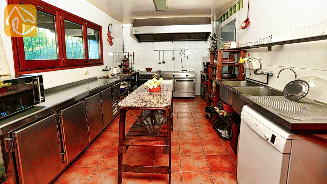 Holiday villas Costa Brava Countryside Spain - Can Mica - Kitchen