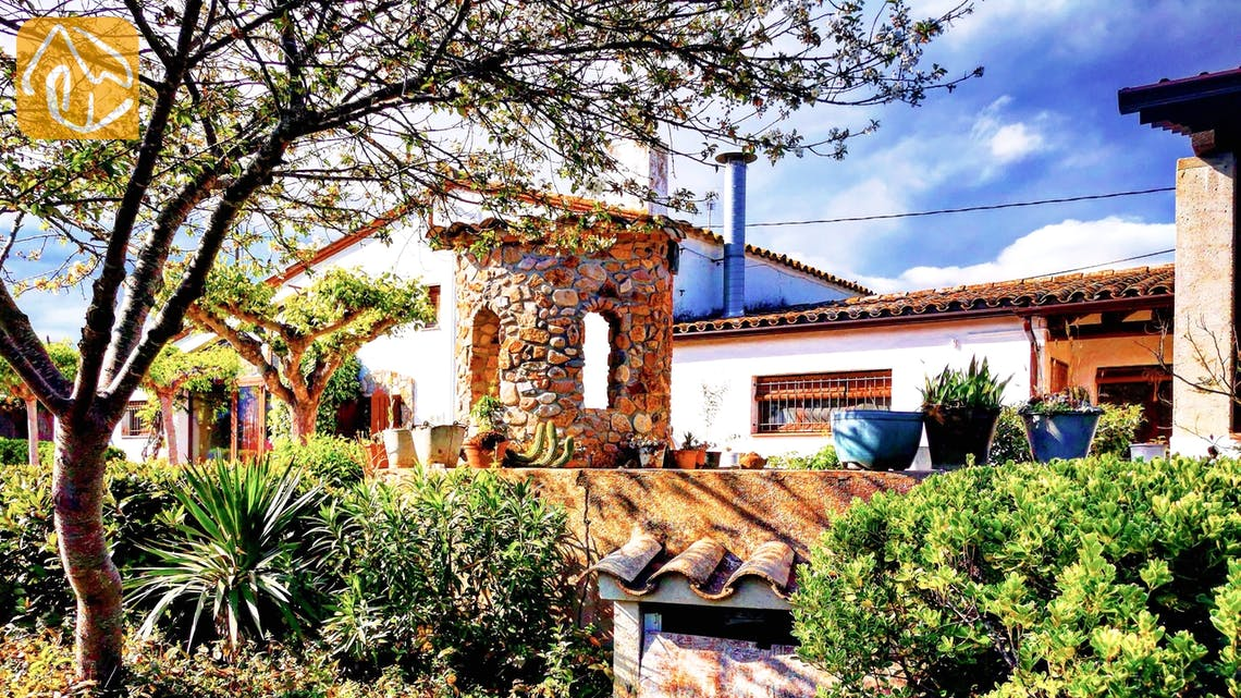 Holiday villas Costa Brava Countryside Spain - Can Mica - Entrance