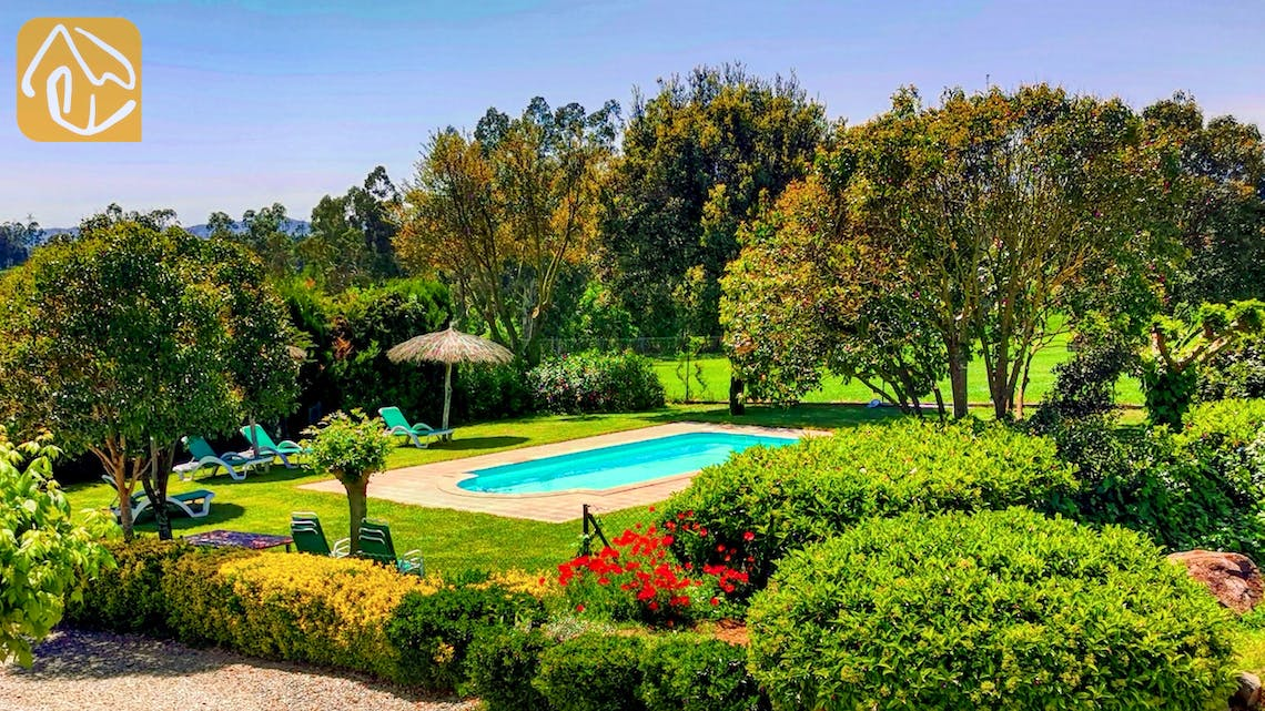 Holiday villas Costa Brava Countryside Spain - Can Mica - Villa outside