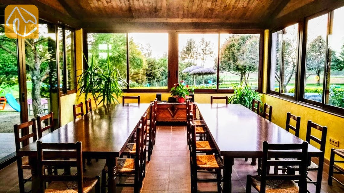 Holiday villas Costa Brava Countryside Spain - Can Mica - Dining area